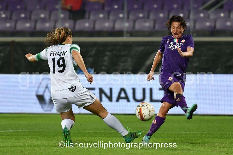Fiorentina Women's vs Fortuna Hjorring (38)