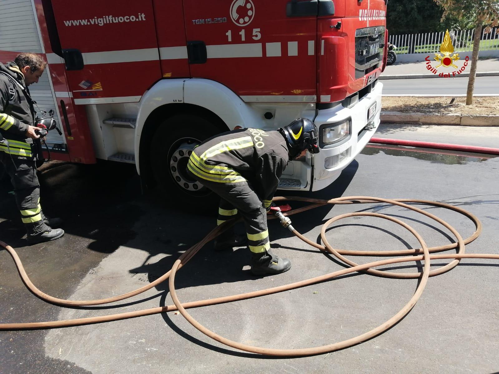 vigili del fuoco incendio appartamento via mascagni grosseto-1