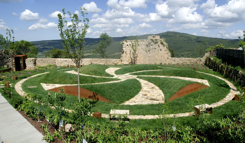 Massa Marittima giardino d'artista progetto di Maria Dompe