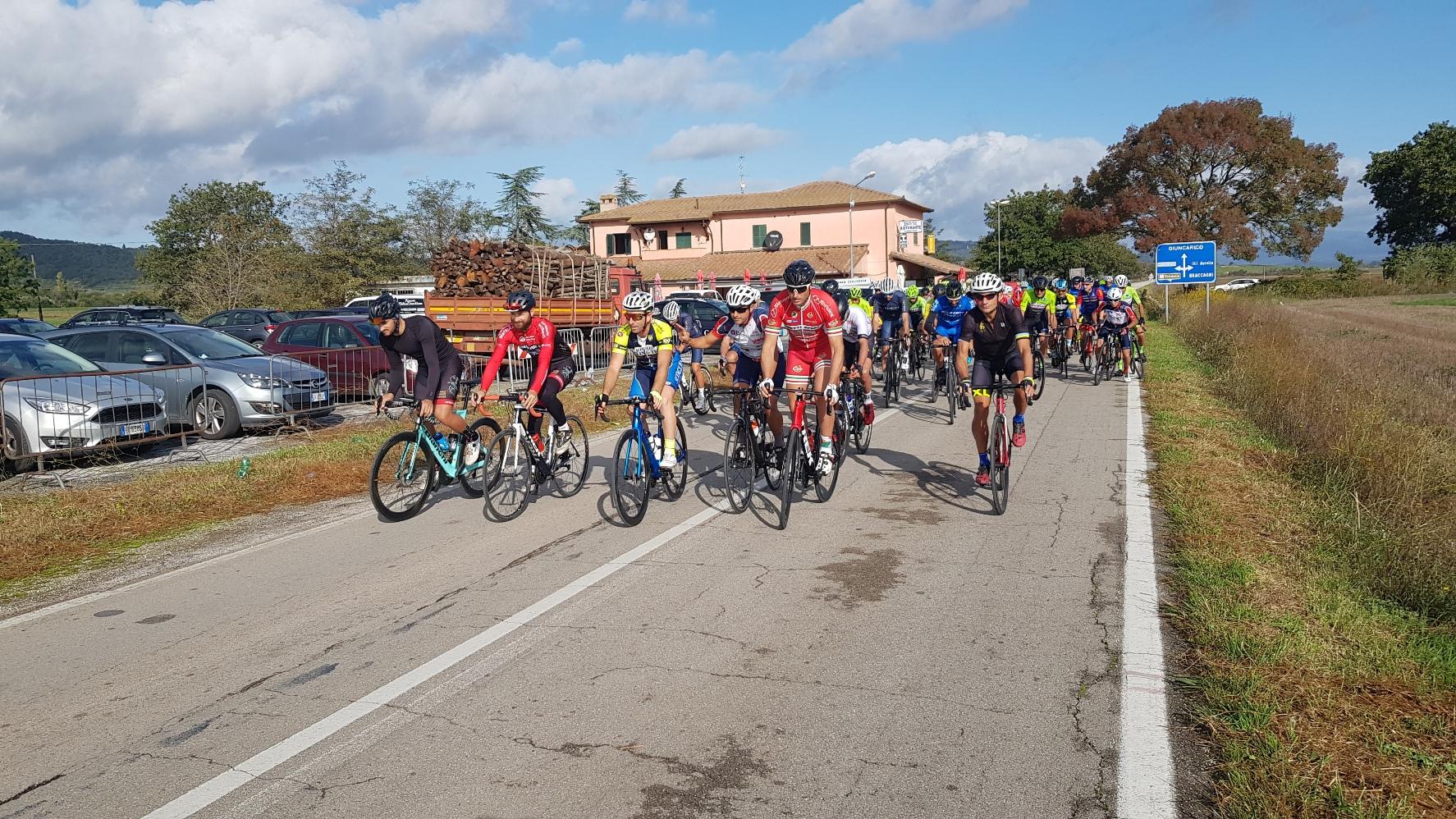 uisp ciclismo partenza corridori