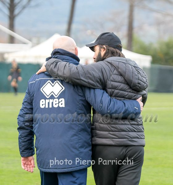Serie D I due mister, Favarin (a sinistra) e De Angelis, escono abbracciati