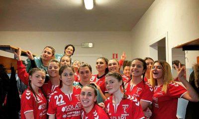 pallamano grosseto squadra femminile serie A2 nello spogliatoio.