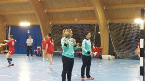 pallamano-grosseto-squadra-serie-A2-femminile-2021-un-momento-del-riscaldamento-pre-partita-