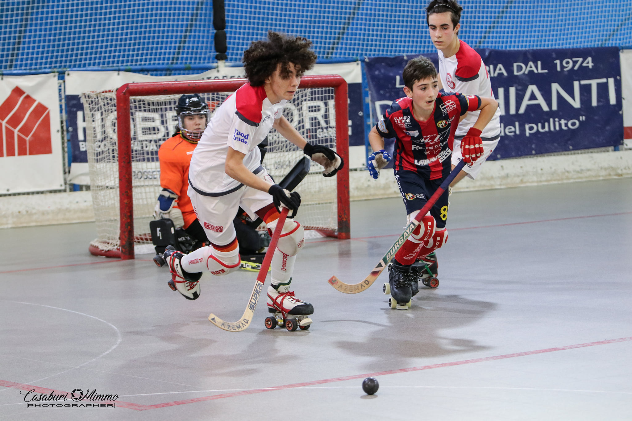 hockey-pista-circolo-pattinatori-grosseto-Under-15-Cieloverde-Forte-azione-di-gioco
