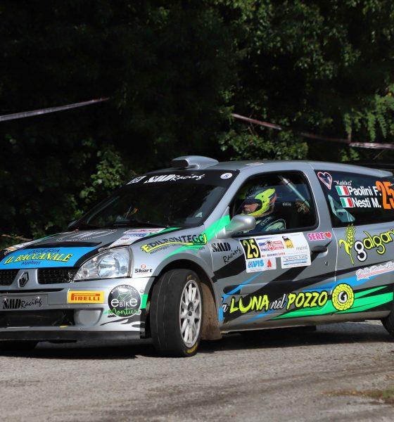 Nella foto (free copyright Sergio Soavi): Paolini-Nesti impegnati al volante della Renault Clio S1600.