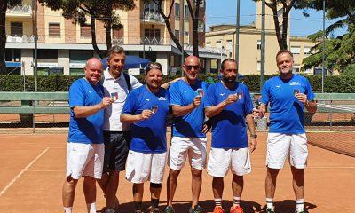 tennis-formazione-del-T.C.-Manetti-over-45.