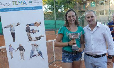tennis La-vincitrice-Cristina-Pascucci-con-il-pres.Valter-Vincio