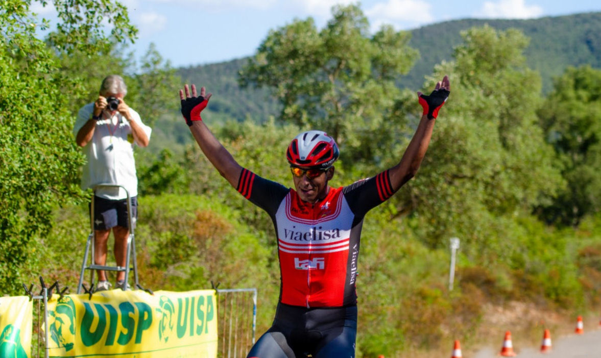 ciclismo-arrivo-Diego-Giuntoli.