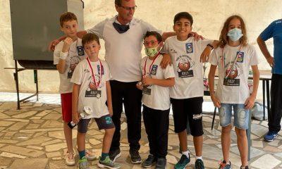 I-giovanissimi-del-Circolo-Bocciofilo-Grossetano-con-istruttore-Aurili